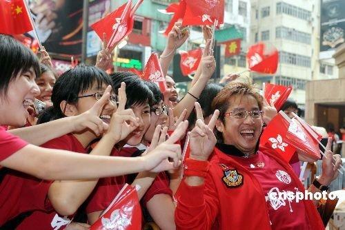 图文-圣火境外传递回顾之中国元素 圣火重回中国