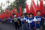 图文-北京奥运圣火在三亚传递 五星红旗的海洋