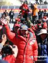 图文-珠峰大本营举行庆祝活动 王勇峰率队入场