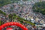 图文-奥运圣火在南昌传递 市民热情参加结束庆典