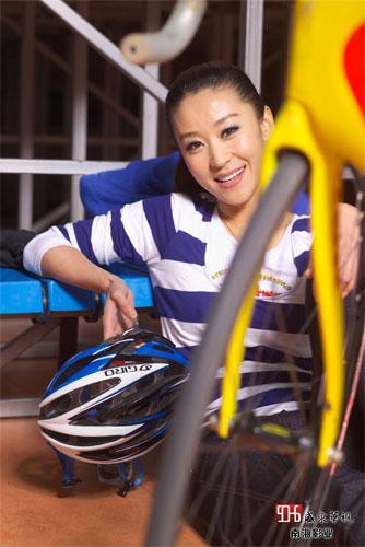 图文-明星带你看赛场之苗圃 当自行车手的感觉不错
