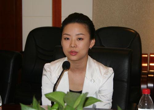 图文-潘晓婷捐出10万奖金帮助灾区潘晓婷侃侃而谈