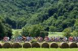 图文-环法自行车赛结束第11赛段比赛地风景秀丽