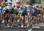图文-环法自行车赛第12赛段结束竞争激烈场面壮观