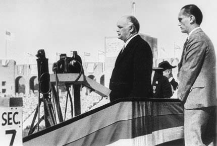 图文-1932年洛杉矶奥运会开幕式 总统宣布开幕