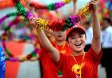 图文-北京奥运圣火在临沂传递 笑容发自内心