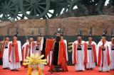 图文-北京奥运圣火在曲阜传递 古装演出成亮点
