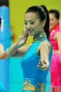 图文-奥运颁奖礼仪志愿者风采 女孩含笑温文尔雅