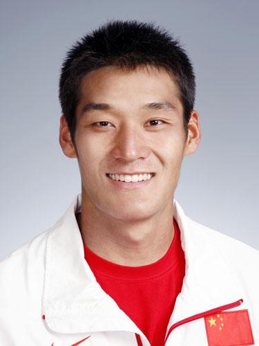 图文-北京奥运会中国代表团成立 皮划艇队员李臻