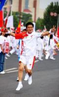 图文:(奥运火炬)(32)奥运圣火在开封传递