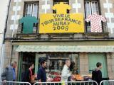 图文-2008环法大赛精彩回顾各色骑衫挂路边