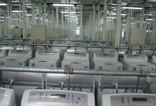图文-探秘北京奥运村内景 洗衣机连接密密麻麻管线