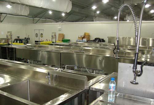 图文-探秘北京奥运村内景 餐厅中的清洁消毒区