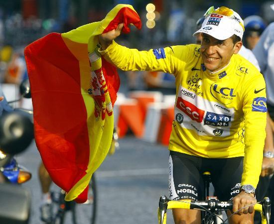 图文-萨斯特雷获环法自行车赛总冠军冠军庆祝胜利