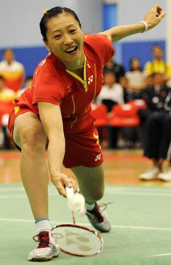 图文-国家羽毛球队赴香港访问表演 难度还真不小