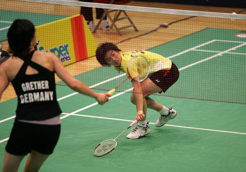 图文-香港羽球赛赛女单资格赛次轮朱晶晶陷入缠斗