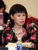 图文-政协会议体育委员分组讨论叶乔波发言