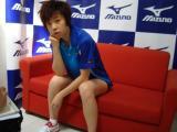 图文-乒乓球队拍摄宣传照花絮张怡宁大胆的看过来