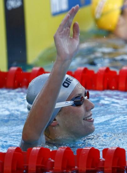 图文-祖耶娃打破女子100米仰泳世界纪录庆祝胜利