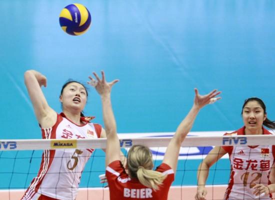 图文-女排大奖赛总决赛中国1-3德国马蕴雯网前强攻