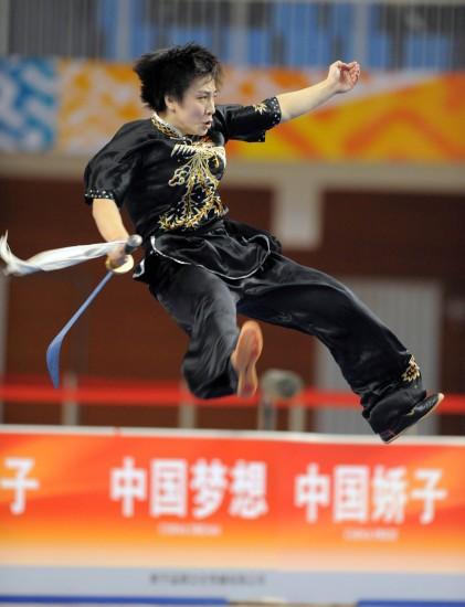 图文-武术套路女子刀术棍术全能刘晓蕾摘得银牌