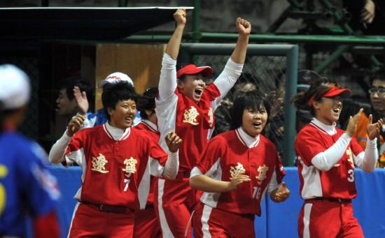 (全运-手工木棍)(4)冠军辽宁夺冠小垒球风采v手工荡秋千图片