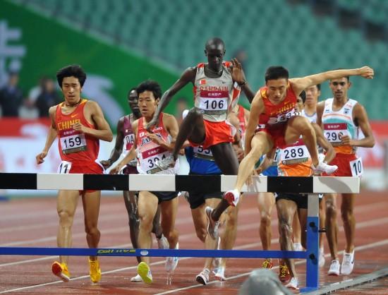 图文-田径亚锦赛第三日精彩赛况林向前领跑