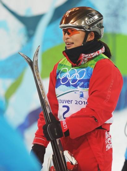 图文-自由式滑雪空中技巧决赛郭心心耐心等待