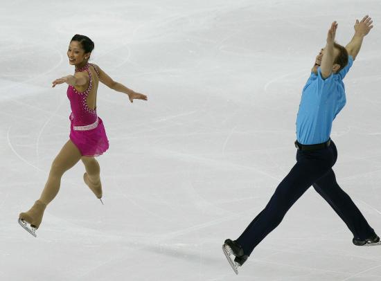 图文-花滑世锦赛双人短节目埃沃拉/拉德维格奔放