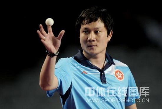 图文-广州国际乒乓球精英赛战况张钰目光坚定