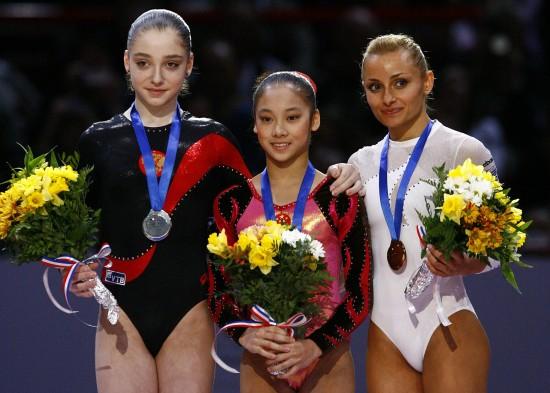 图文-体操世界杯法国站吴柳芳力压欧洲选手夺冠