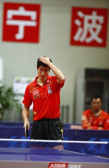 图文-王励勤无缘莫斯科世乒赛大力徒然感伤