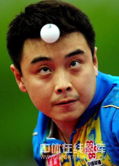 图文-世乒赛男团中国3-0俄罗斯王皓已经满头大汗