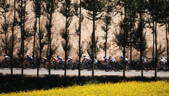 图文-第九届环青海湖自行车赛第三赛段景色不错