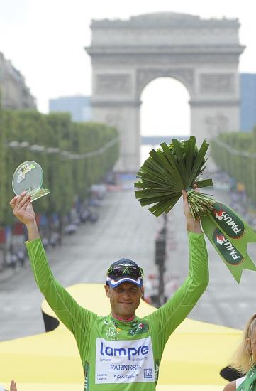 图文-2010年环法颁奖典礼绿衫获得者佩塔奇