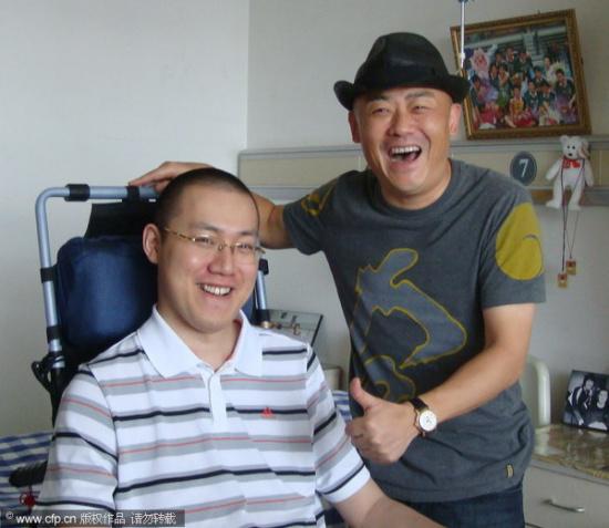 图文-笑星周立波杭州看望汤淼两人相谈甚欢