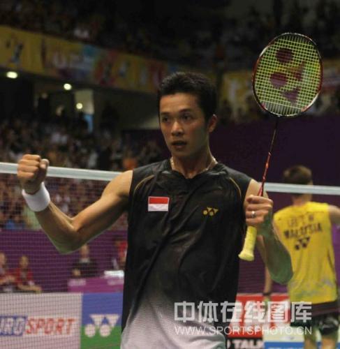 图文-羽毛球世锦赛陶菲克2-1李宗伟陶菲克庆祝胜利