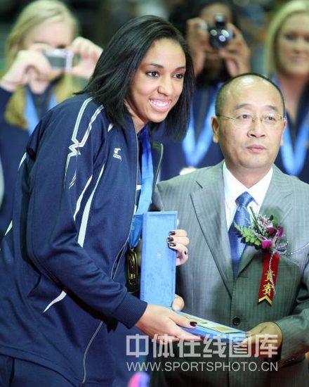 图文-世界女排大奖赛颁奖仪式格拉斯获最佳二传