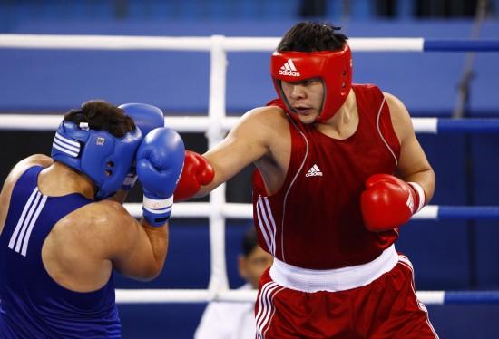 图文-[武搏会]张志磊获91公斤以上级金牌双拳抵挡