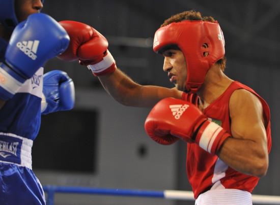 图文-[武搏会]拳击比赛第二日赛况巴选手肌肉发达