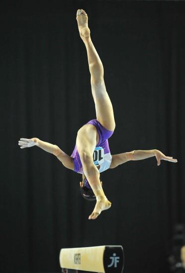 图文-体操世界杯根特站赛况吴柳芳在平衡木赛中