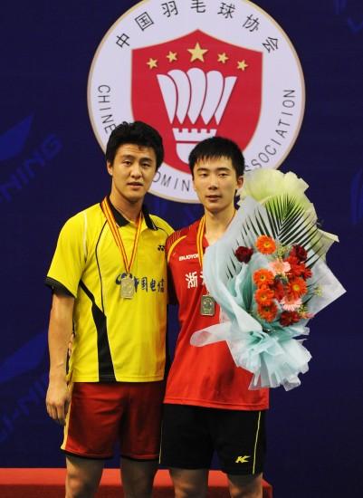 图文-全国羽毛球锦标赛17日赛况李昱与黄宇翔合影