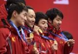 长春选手展示金牌