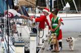 圣诞老人看望船员