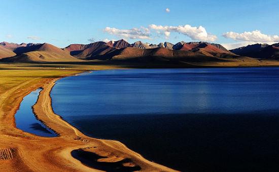 西藏纳木错:世界海拔最高的大型湖泊