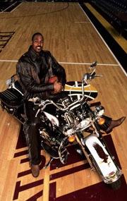 NBA老照片-悍将卡尔马龙生活在乔丹阴影下的猛男