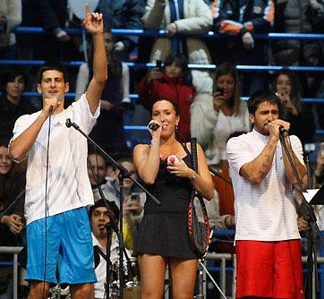 图文-小德扬科现场比赛K歌化身歌神呈现男女二重唱