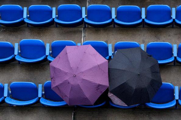 图文-纳达尔补赛横扫晋级4强还有铁杆球迷坚守赛场