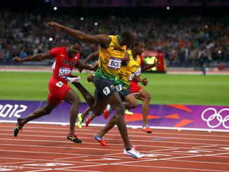 飞人博尔特卫冕男子100米