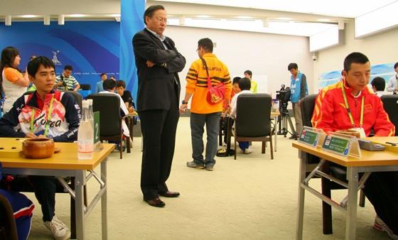 """男团预赛第4轮 古力李世石""""并肩作战"""""""